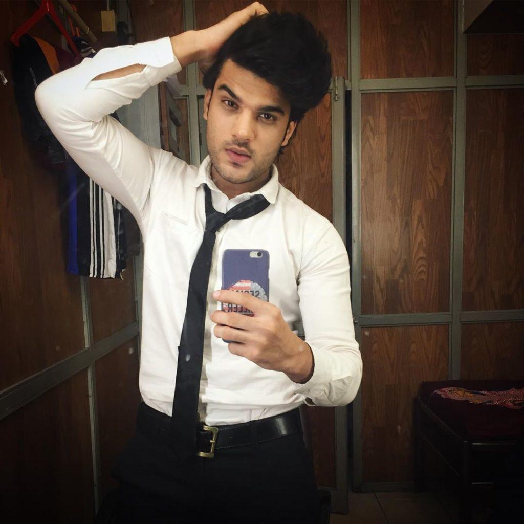 Abhishek Soni Mirror Selfie