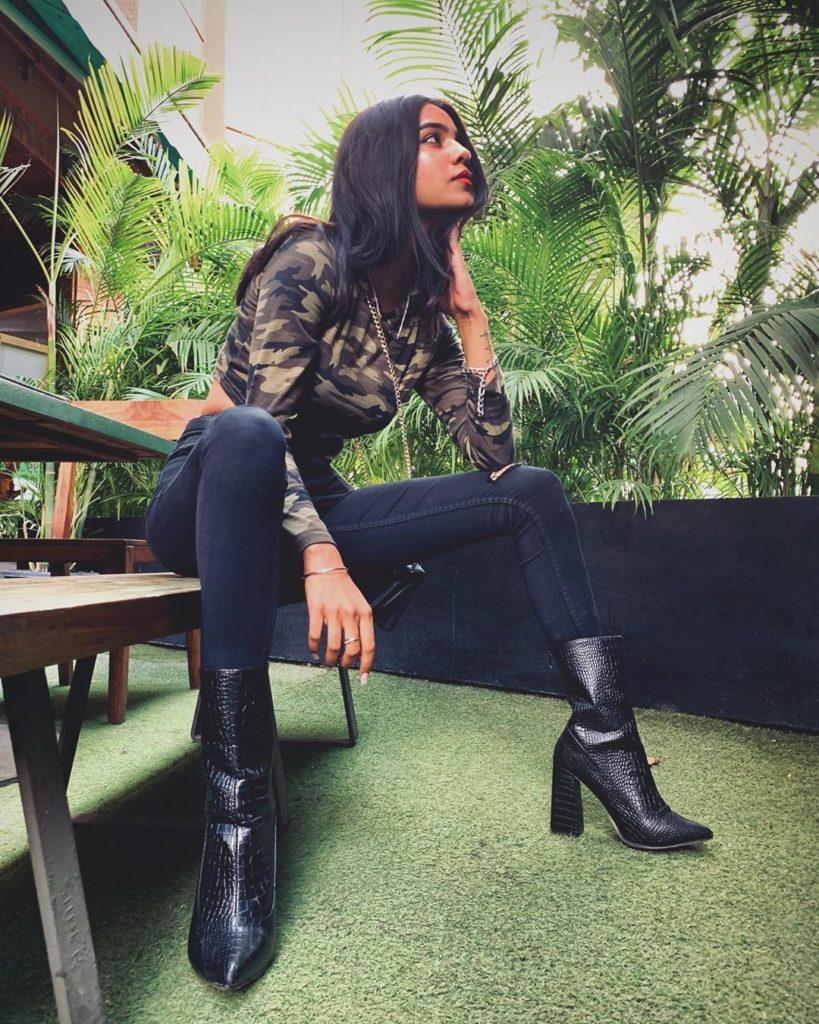elegant purabi bhargava tik tok star lifestyle biography hot photos tushar silavat